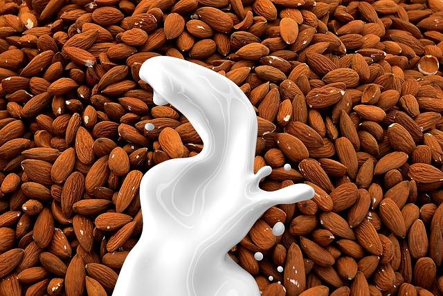 mandlové mléko.jpg