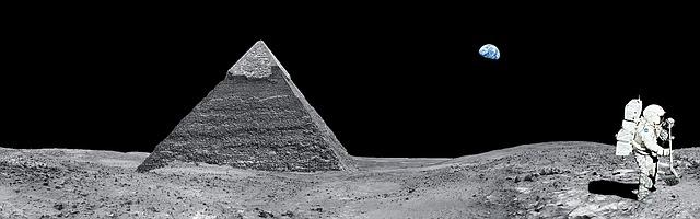 pyramida a kosmonaut